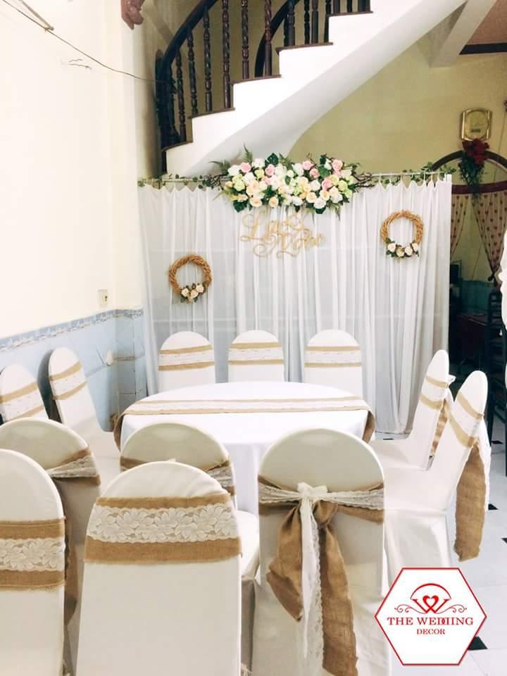 Cho thuê bàn tròn ghế nệm